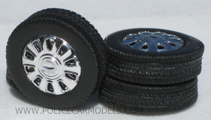 24 Police Style Chrome Wheels & Tires For Motormax Ford Crown